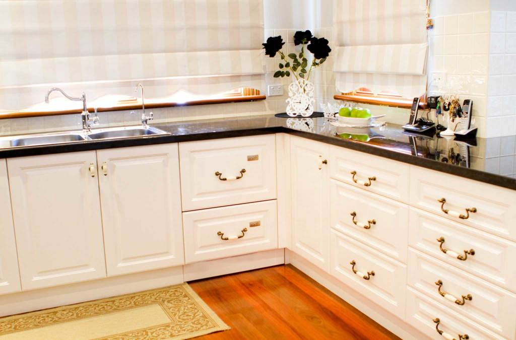 French provincial kitchen styles melbourne rosemount for Provincial style kitchen
