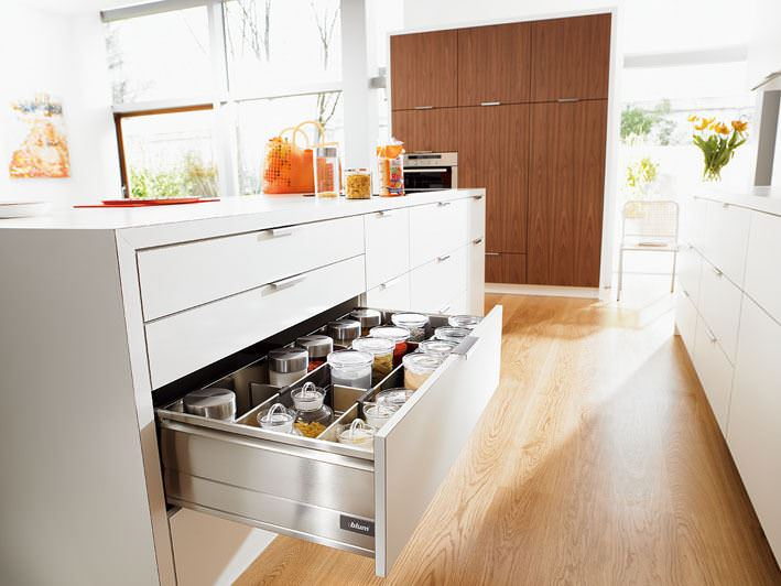 Kitchen with all drawers