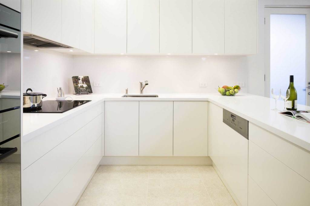 Image of a Melbourne kitchen with handleless cabinetry