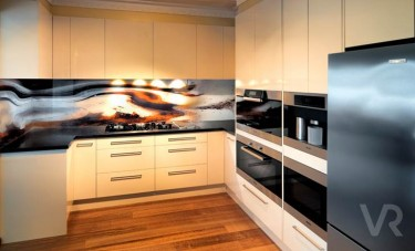 Gorgeous glass splashback image