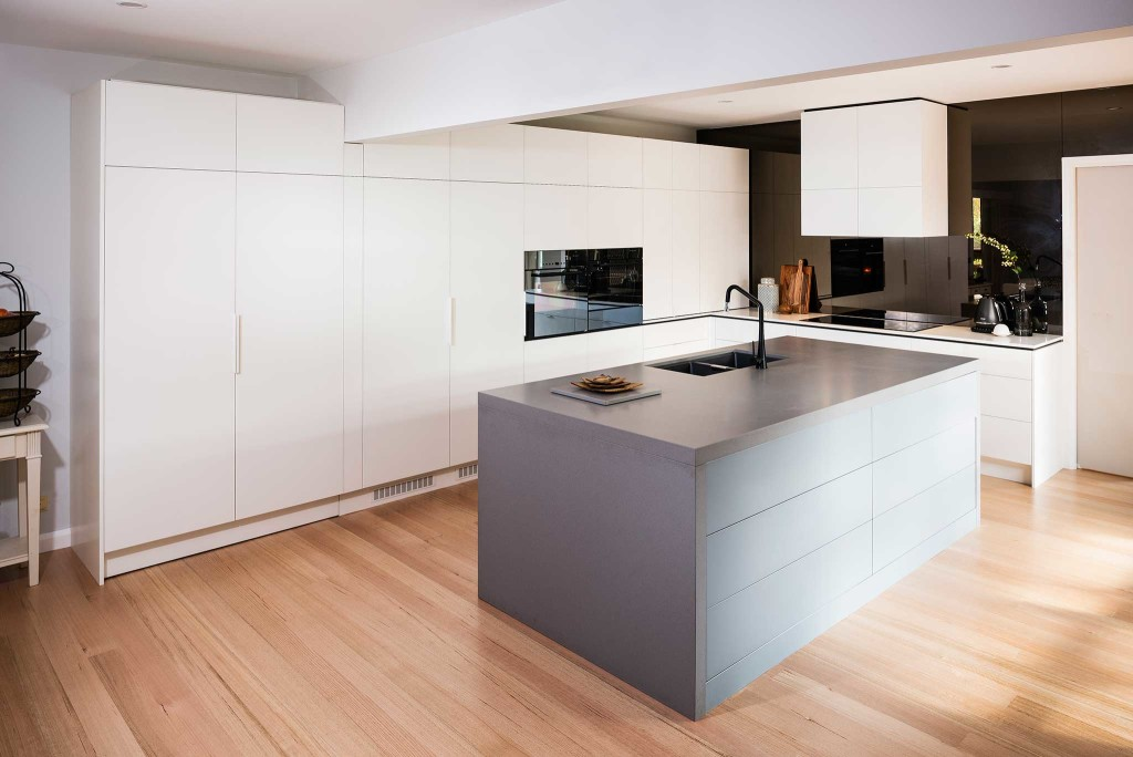 Kitchen without overhead cabinetry