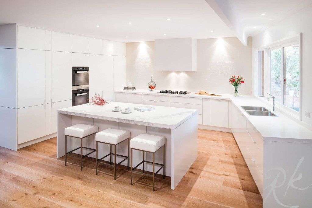 White Kitchen in Warrandyte