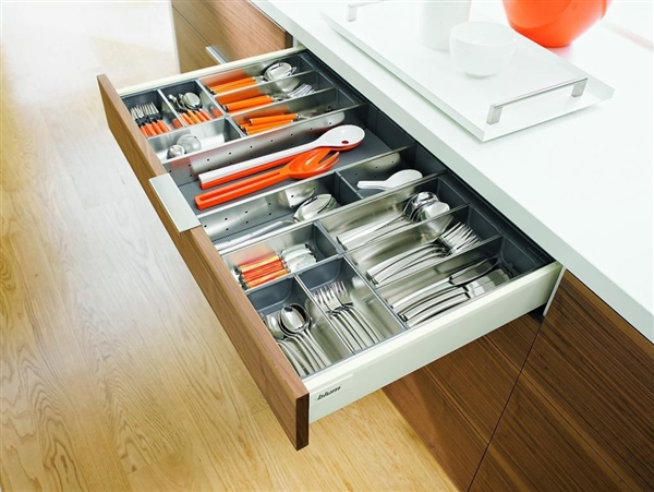 A Blum cutlery drawer with ORGA-LINE organisers.